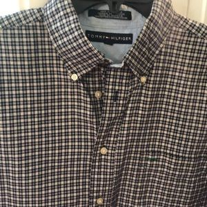 Men's Tommy Hilfiger Size L Plaid